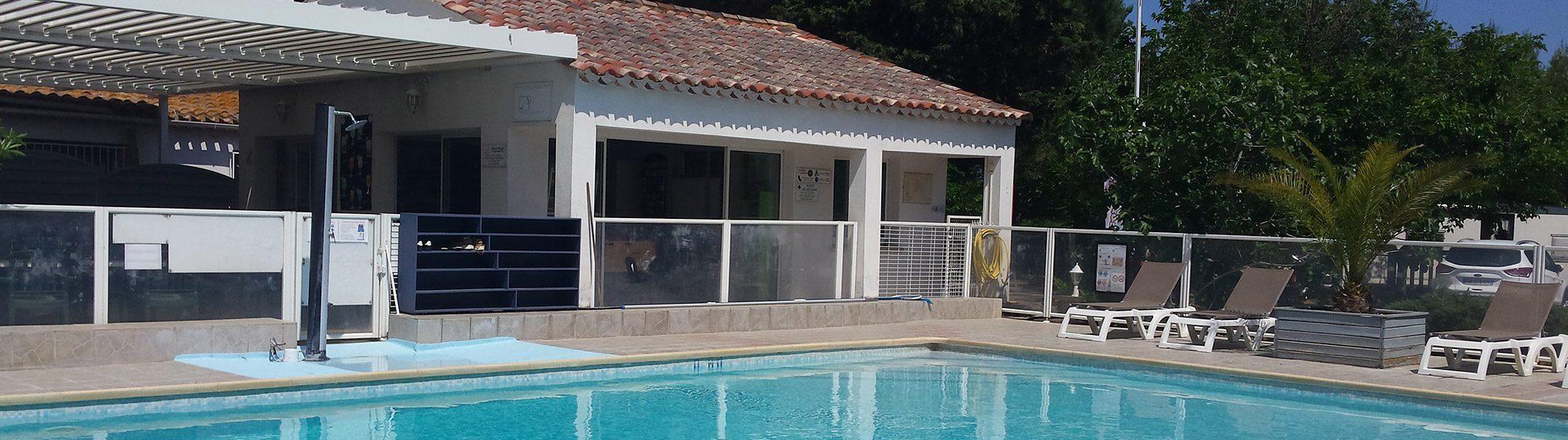 Activité piscine au Camping Les Roches d'Agde